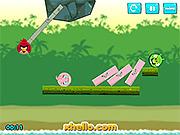 Игра Angry Birds - удар свиней